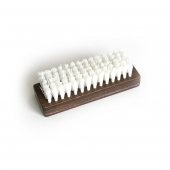Щетка для чистки кожи из синтетического волокна